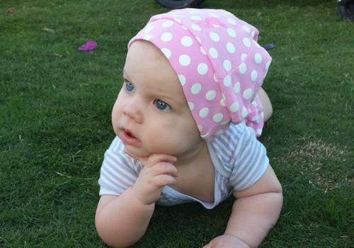 Superbēbītes māmiņas blogs: 8.mēneša dāvana - pirmais zobs!