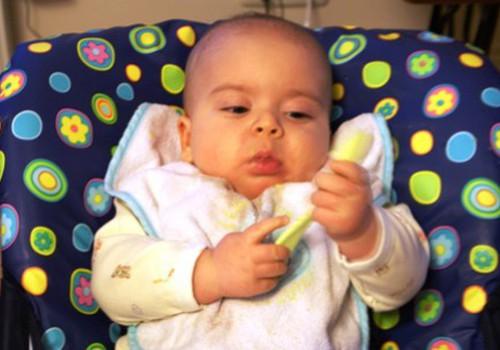 Ar Tommee Tippee ēšana ir čiki piki