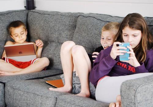 Bērns un mobilais telefons: vai un cik lielā mērā nepieciešams?