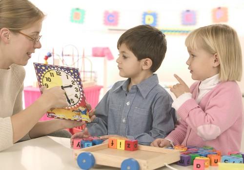 Šmaucas ar bērnudārzu rindām