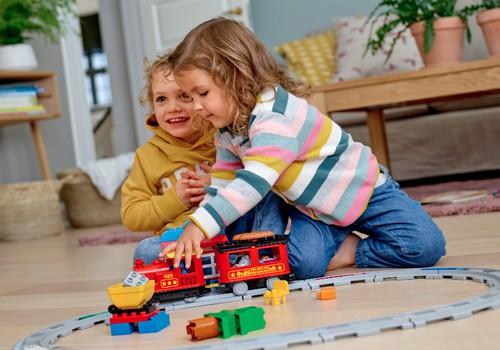 Facebook KONKURSS: Vai jūsu mājās ar LEGO spēlējas arī tētis?