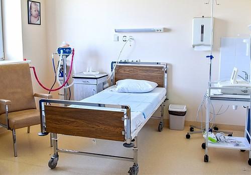 Kuldīgas slimnīcas Dzemdību nodaļā turpmāk atsāpināšanai dzemdībās bez maksas varēs saņemt smieklu gāzi