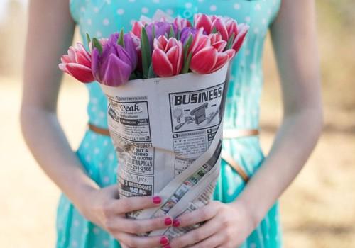 Sveicam Jūs, SIEVIETES - skaistākās starp puķēm!