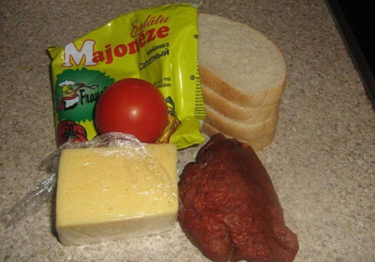 Karstmaizes ar kūpinātu vistiņu