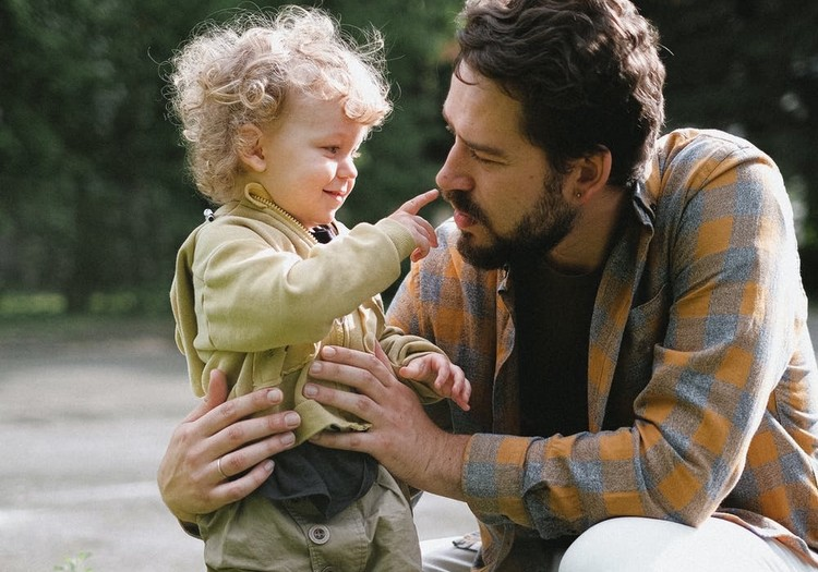 Rotaļu nozīme bērna attīstībā. Ieteikumi jaunajiem un topošajiem tētiem