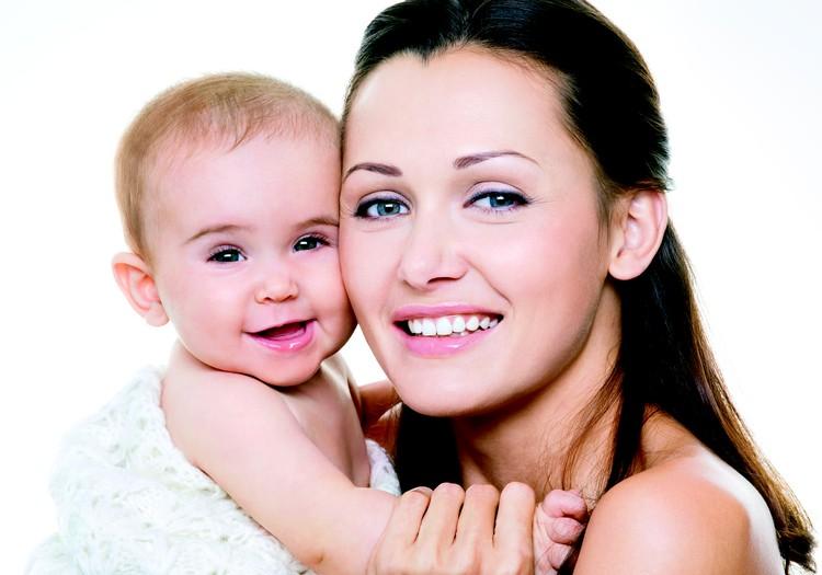 Matu izkrišana, lūšana- piemeklē līdz pat 50% sieviešu pēc dzemdībām