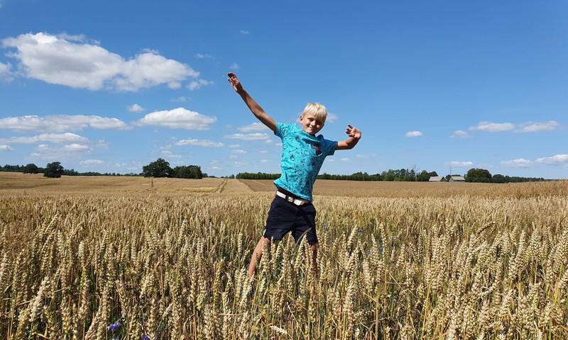 """Apceļojam Kurzemi: Sabiles lelles, Zviedru cepure, kafejnīca """"Lāsīte"""" un lauku labumi"""