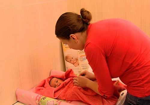 12.01.2014. TV3: bēbīša vannošana, brīnumbērni, grāmatu lasīšana