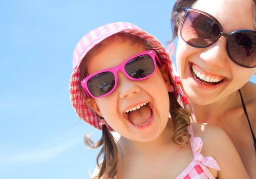 Atpūta siltajās zemēs ar bērnu: 5 padomi drošībai