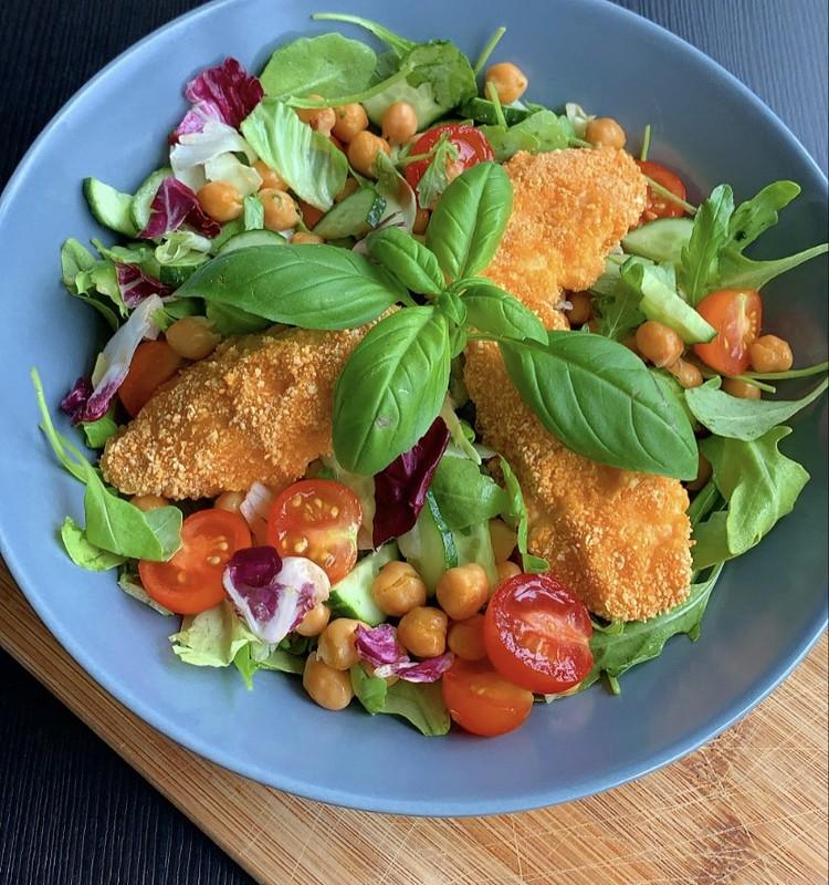 Veselīgie mocarellas salāti citā izskatā!
