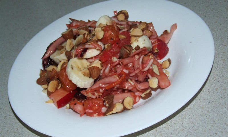 Augļu salāti ar kāpostiem