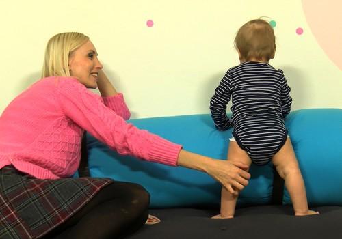 TV filmēšanās: meklējam mazuli, kurš prot ierāpties dīvānā!