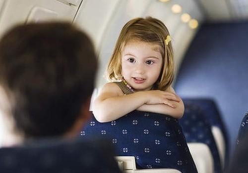 Vērtīgi padomi, lidojot kopā ar bērniem