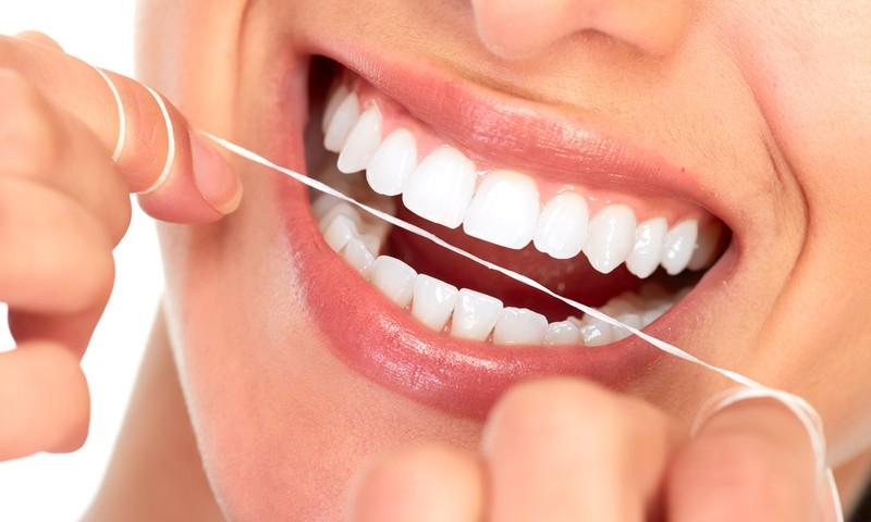 Lai zobārsts var doties atvaļinājumā: mutes un zobu veselība skaistam smaidam