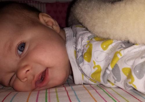 Superbēbītes māmiņas dienasgrāmata: Tēta meitas 5. mēnesis