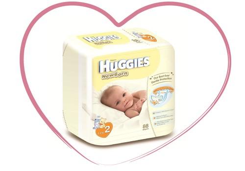 Jaunās Huggies® Newborn autiņbiksītes ar mitruma indikatoru un īpašu kabatiņu!