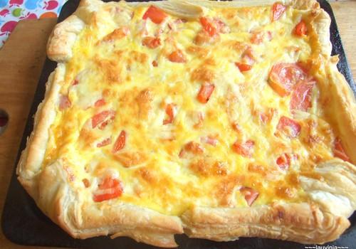 Pīrāgs bērnu priekam - gandrīz kā pica