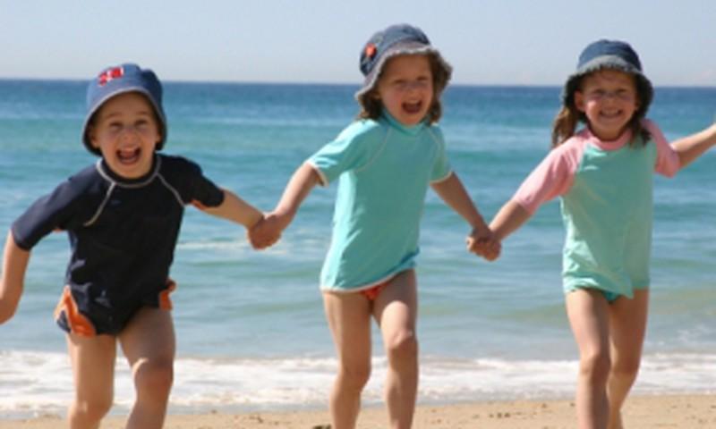 Māmiņu kluba padomi vecākiem par bērnu drošību vasarā