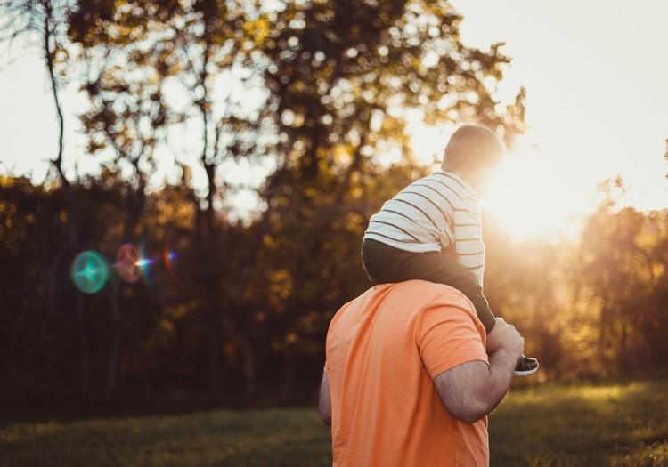 10 idejas, kā vērtīgi kopā pavadīt laiku tētim ar dēlu