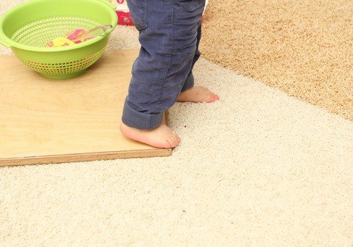 Mazulis jau ceļas kājiņās!