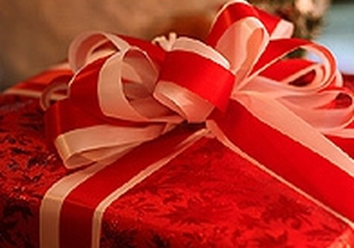 Aptauja: Ziemassvētku un Jaungada dāvanām 41% cilvēku tērējuši līdz 50 latiem