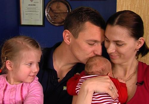 VIDEO: kā Latvijas vārdu pasaulē nes pludmales volejbolists, divu meitu tētis Mārtiņš Pļaviņš