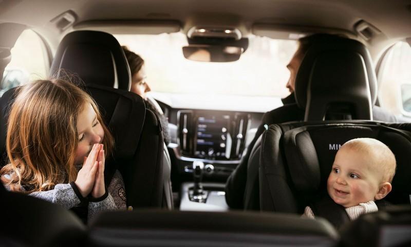 Autosēdeklītis - visdrošāk atmuguriski