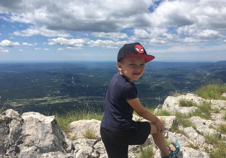 Braucam ar bērniem uz Horvātiju: Jāņos kāpām kalnā