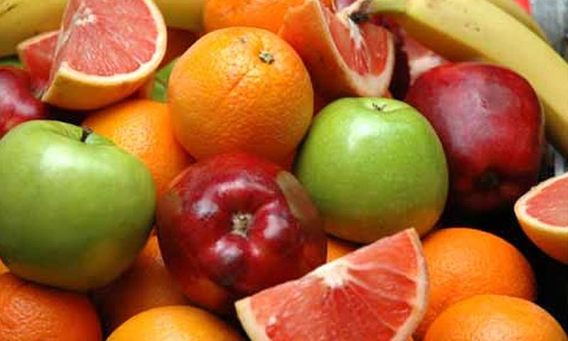 Augļi bērna ēdienkartē: ko būtu svarīgi zināt