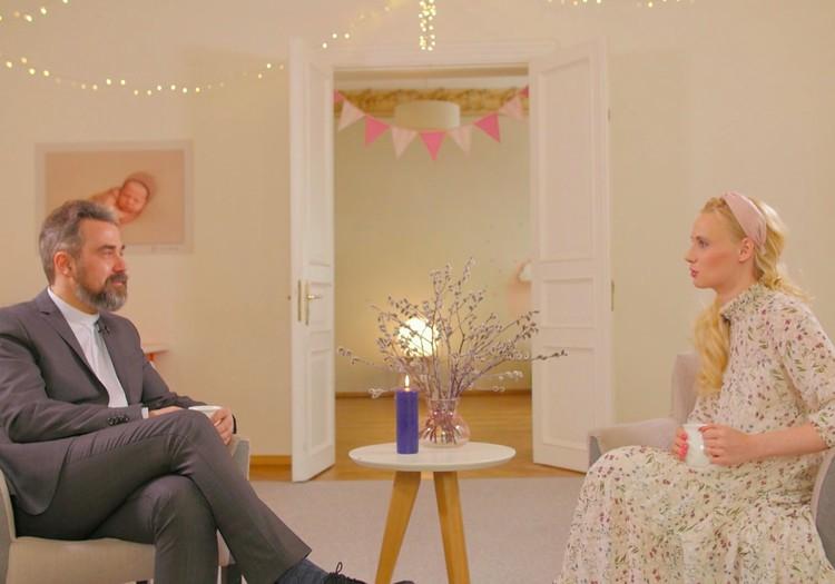 Māmiņu Kluba TV raidījuma 12.aprīļa lielajā intervijā - mācītājs Krists Kalniņš
