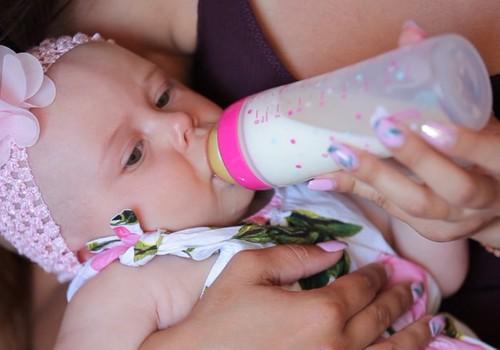 DABISKA MAZUĻA ATTĪSTĪBA. Prebiotikas mazulim, kurš ēd piena maisījumu.