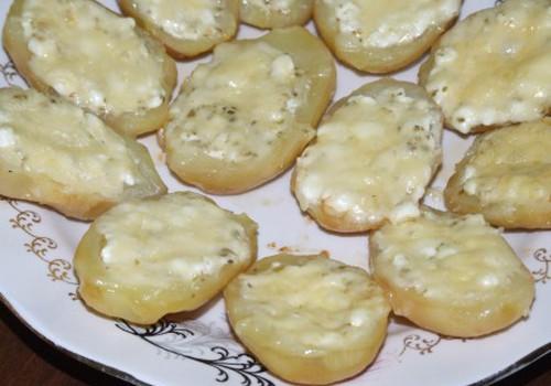 Pildītas kartupeļu pusītes