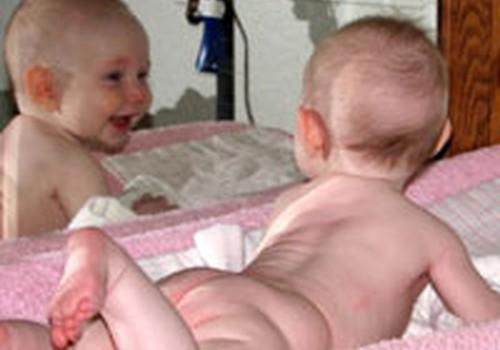 Spoguļa rādīšana bērnam. Psihologa viedoklis