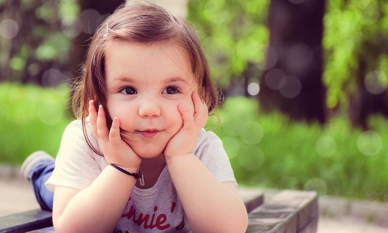 Kā palīdzēt bērnam iemācīties atšķirt kreiso no labās puses?